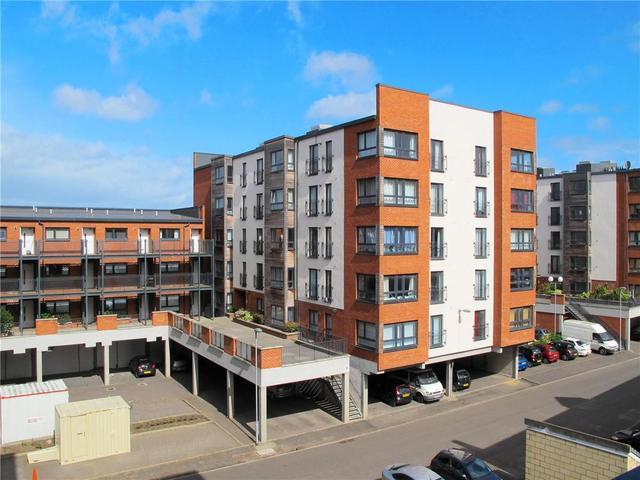 2 Bedroom Flat To Rent In Salamander Court Edinburgh Eh6
