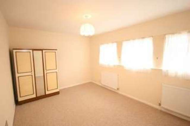 Bed House To Rent In Langley Slough