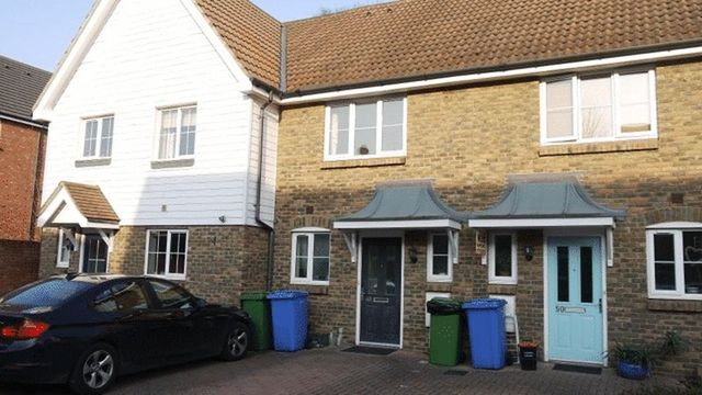 Image of 2 bedroom Terraced house to rent in Finch Close Faversham ME13 at Finch Close  Faversham, ME13 8JX