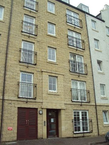 2 Bedroom Flat To Rent In Giles Street Edinburgh Eh6