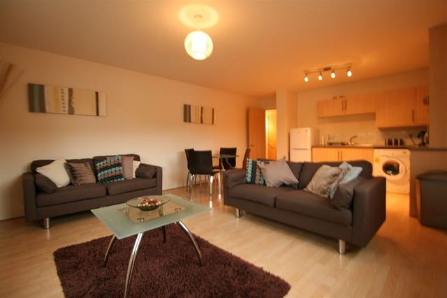 2 Bedroom Flat To Rent In Edinburgh Road Glasgow G33
