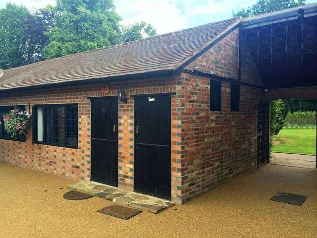 Image of 1 bedroom Detached house to rent in Newchapel Road Lingfield RH7 at Lingfield, RH7 6BJ