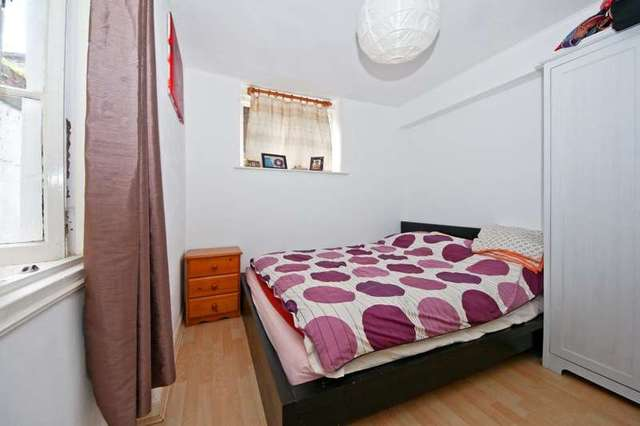 Image of 2 bedroom Flat to rent in Hatherley Grove London W2 at ...