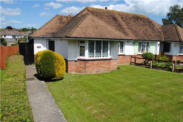 2 Bedroom Detached House For Sale In Holliers Hill Bexhill