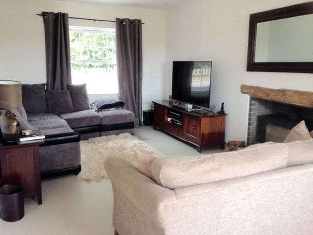 Image of 4 bedroom Detached house to rent in Newchapel Road Lingfield RH7 at Newchapel Road  Lingfield, RH7 6BJ