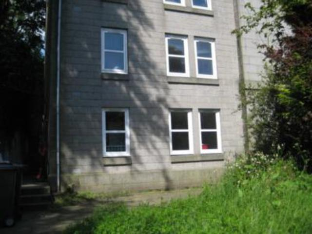 2 Bedroom Flat To Rent In King 39 S Crescent Aberdeen Ab24