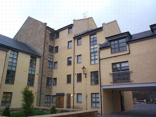 2 Bedroom Flat To Rent In Old Tolbooth Wynd Edinburgh Eh8