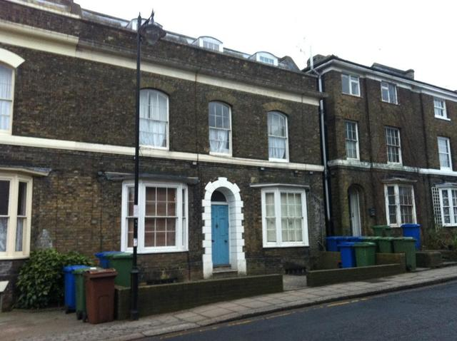 Image of 1 bedroom Flat to rent in South Road Faversham ME13 at Faversham, ME13 7LR
