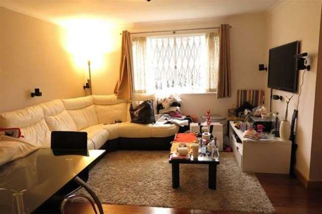 Image of 2 bedroom Flat to rent in John Williams Close London SE14 at New Cross, SE14 5XG