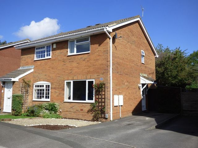 2 Bedroom Semi Detached House For Sale In Sheerwold Close Stratton Swindon Sn3