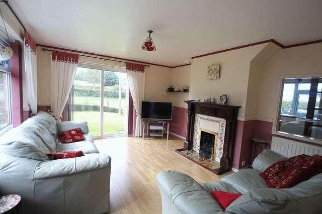 Image of 4 bedroom Detached house for sale in Northside Road Hollym Withernsea HU19 at Northside Road Hollym Withernsea, HU19 2RS