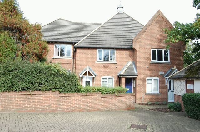 Image of 2 bedroom Flat to rent in Whitehall Lane Grays RM17 at Whitehall Lane  Grays, RM17 6SY