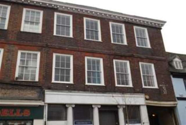 Image of 1 bedroom Flat to rent in High Street Sittingbourne ME10 at Sittingbourne, ME10 4AW