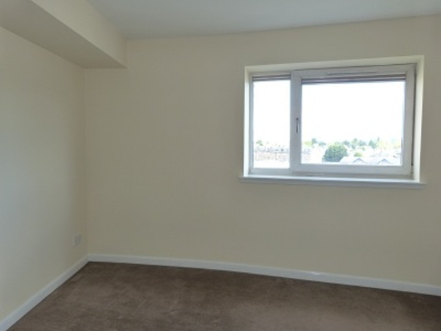 2 Bedroom Flat To Rent In Monart Road Perth Ph1