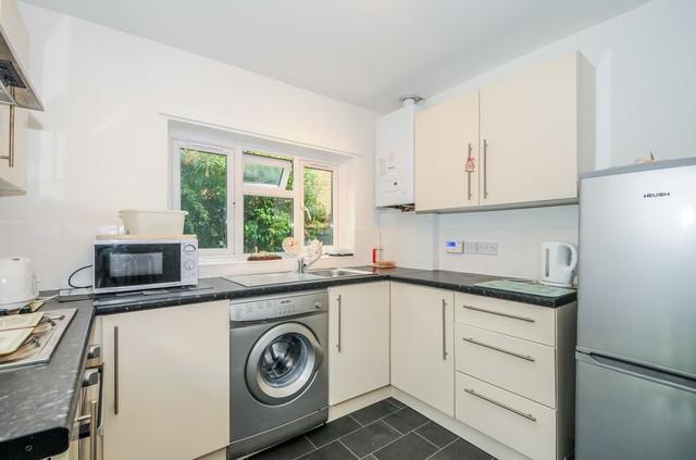 Image of 2 bedroom Bungalow to rent in River Ash Estate Shepperton TW17 at River Ash Estates Shepperton Surrey, TW17 8NH