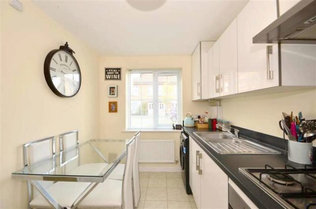 Image Of 3 Bedroom Terraced House For Sale In Colmanton Grove Sholden Deal Ct14 At Deal