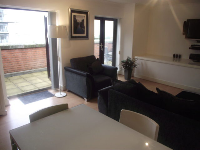 2 bedroom apartment to rent in ladywood middleway