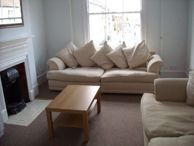 1 Bedroom Flat To Rent In Waldemar Avenue London SW6