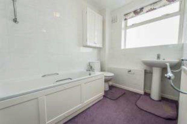 Property Price A Montague Close Walton On Thames