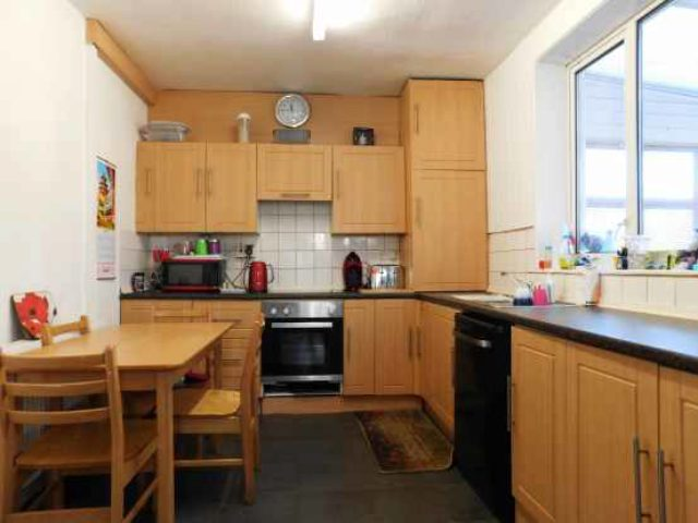 3 bedroom semi detached house for sale in tennyson road  3 bed house to rent in middleton manchester