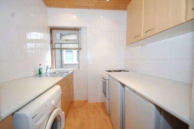 3 bedroom Flat for sale in Chirnside Road Glasgow G52