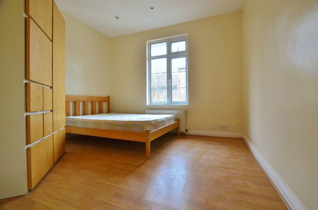 2 Bedroom Flat To Rent In Harrington Hill London E5
