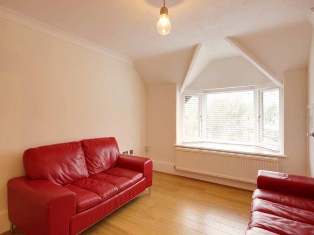 1 bedroom flat to rent in hawkshill dellfield st albans al1