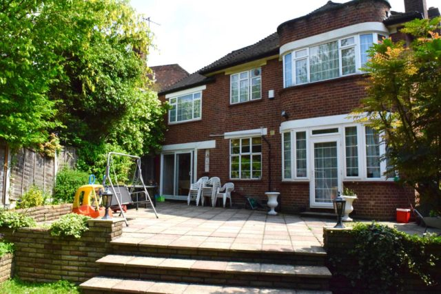 5 Bedroom Detached House For Sale In Highview Gardens