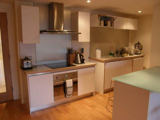 2 bedroom apartment to rent in queens road reading rg1