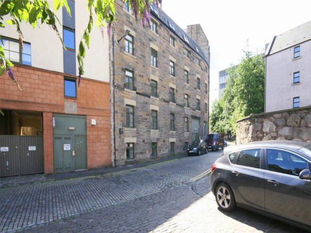 2 Bedroom Flat To Rent In Water Street Edinburgh Eh6