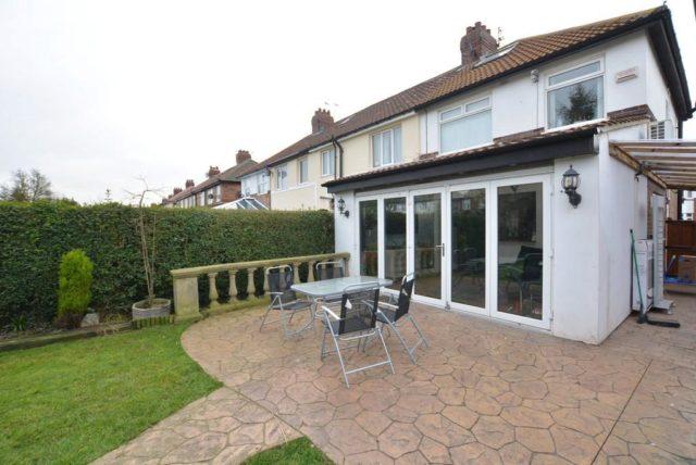 3 bedroom end of terrace for sale in grosvenor avenue for Terrace house season 3