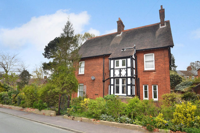 6 bedroom detached house for sale in st johns road for Six bedroom house for sale