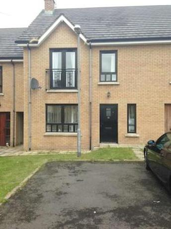 4 bedroom Terraced f...