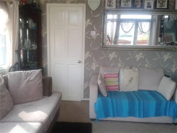 1 bedroom Detached B...