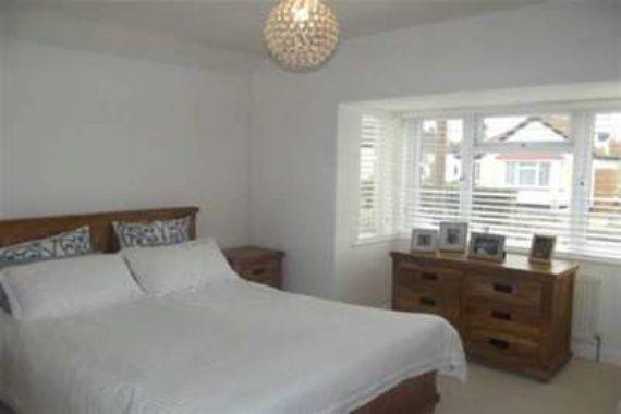 3 bedroom Bungalow t...
