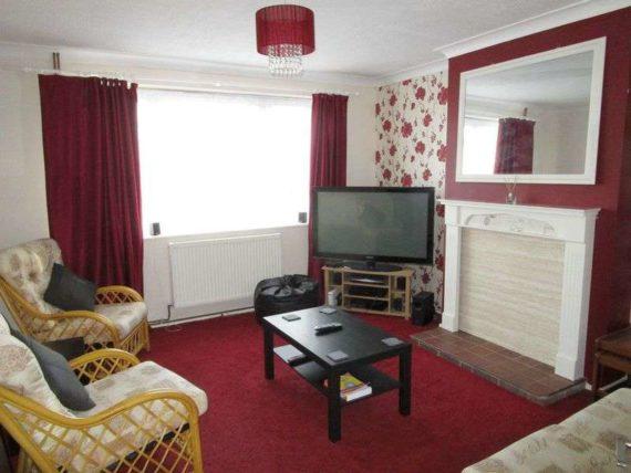 3 bedroom Flat to re...