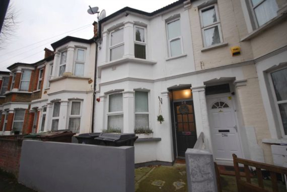 3 bedroom Flat to re...