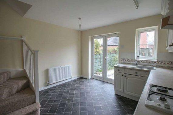 2 bedroom Terraced t...