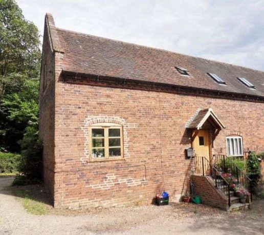 2 bedroom Cottage to...