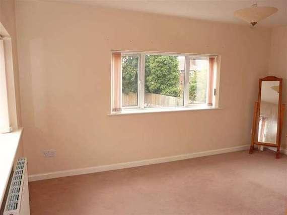 3 bedroom Detached t...