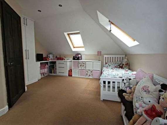 5 bedroom Detached f...