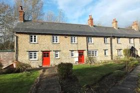 3 bedroom Cottage to...