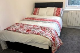 1 bedroom Property t...