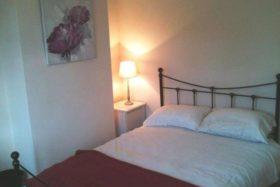 1 bedroom Room to re...
