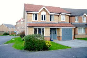 4 bedroom Detached t...