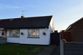 2 bedroom Detached t...