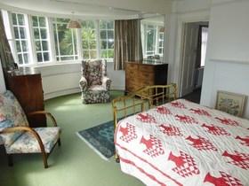 6 bedroom Detached f...