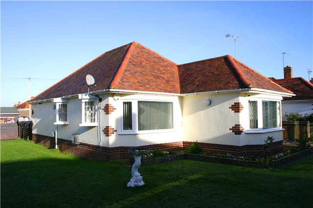 2 Bedroom Bungalow For Sale In Tuckton Road Southbourne