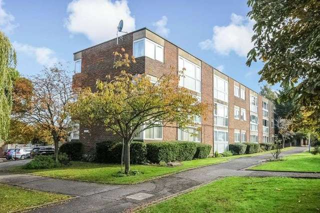 Image of 2 bedroom Flat for sale in Hawkesworth Close Northwood HA6 at ...